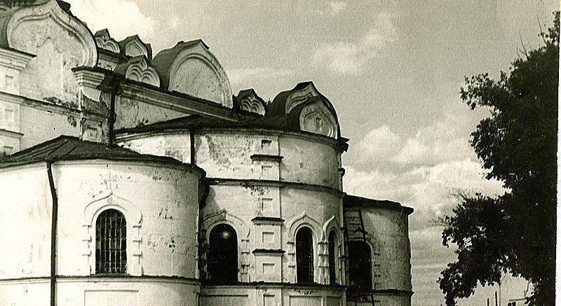 Успенский храм. Лето 1986 года  Автор Витольд Муратов