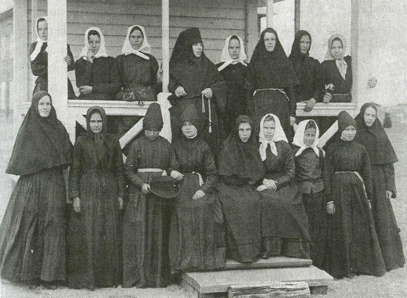 Насельницы Сурского Иоанно-Богословского женского монастыря (фотография начала ХХ века).